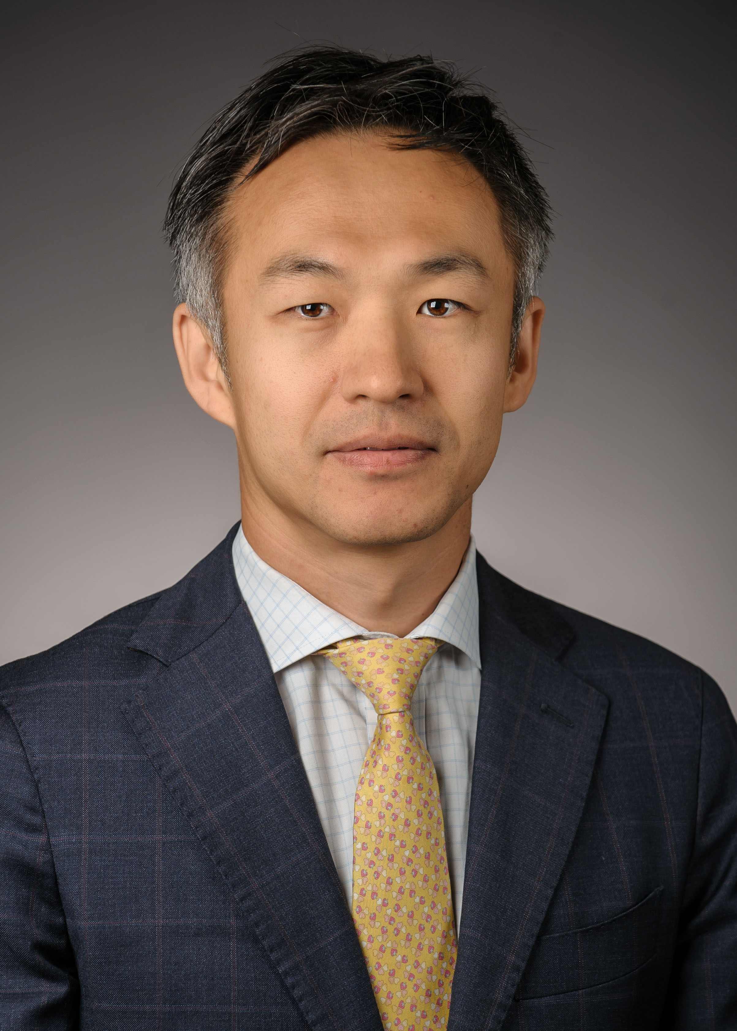 Jung-Il Bang |Project Manager - Jung-Il Bang is a 2003 graduate of the Seoul National University in South Korea. After earning his BS in Mechanical and Aerospace Engineering, he has worked on the Global Business Development Team at Samsung Electronics, followed by Corporate & Investment Banking teams at Deutsche Bank and Barclays Bank.Working with various corporate clients in energy industries such as power utility and oil & gas companies, he became interested in energy and environment. While advising a Korean firm on the acquisition of a California wind farm in 2015, Jung-Il discovered in himself a strong desire to deepen his understanding of energy and environmental economics and to develop corporate solutions of sustainable growth and decided to return to academia.As a Masters candidate (2017-19) specializing in Corporate Environmental Management, Jung-Il's interests are centered on analyzing the role of the financial industry on energy and environment, and optimizing the life-cycle cost-benefit of sustainable development in the private sector. Overall, it is Jung-Il's mission at the Bren School of Environmental Science & Management to obtain the skills necessary to create sustainable growth solutions for corporate clients that simultaneously elevate shareholder values and environmental responsibilities.