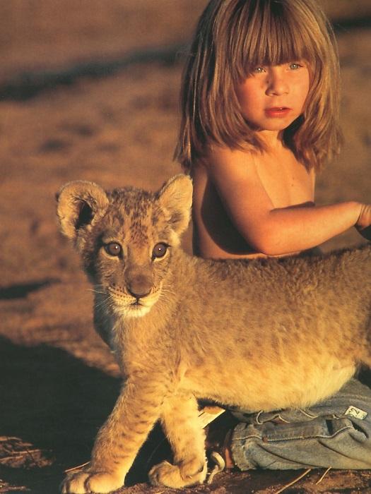 Девочка Типпи и львенок.jpg