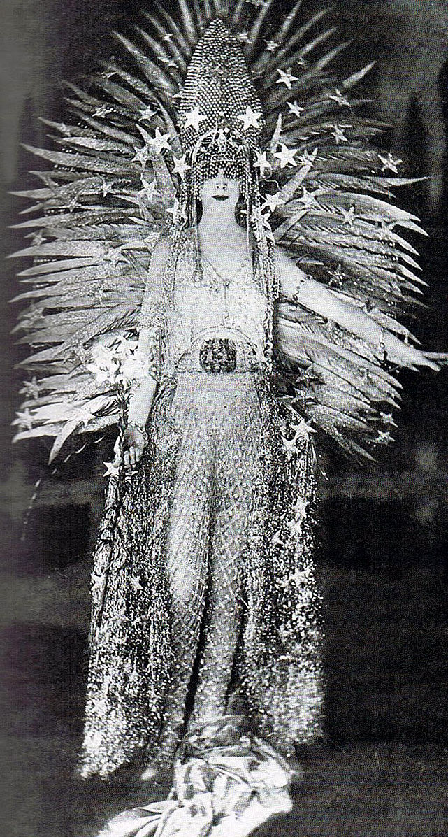 Luisa_Casati_1922.jpg