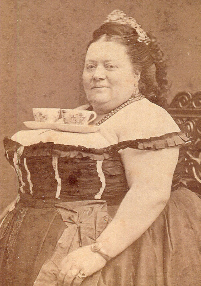 funny-victorian-era-photos-silly-vintage-photography-28.jpg