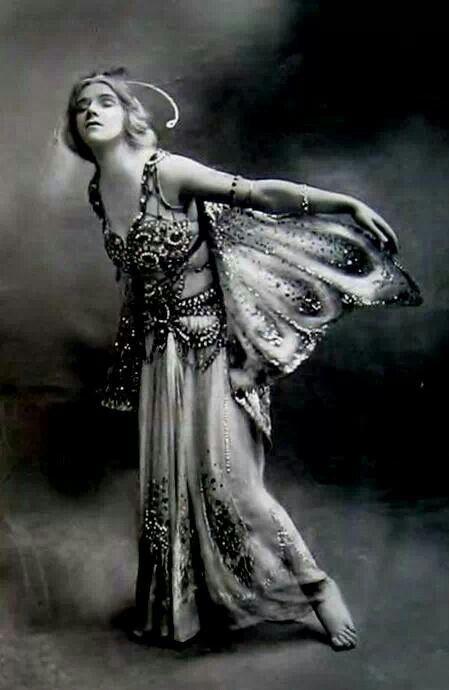 Phyllis Monkman in The Butterflies by Foulsham 1910