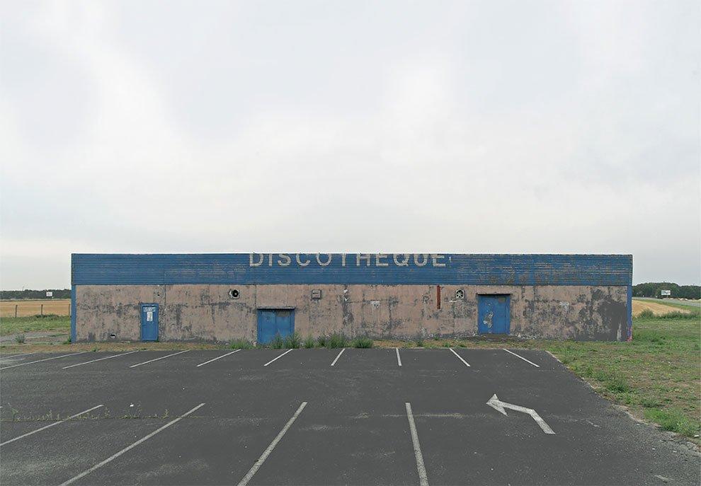 EricTabuchi_1_fotografia_discoteca_localizaciones_arquitectura_edificiosabandonados_curiosidad_nostalgia.jpg