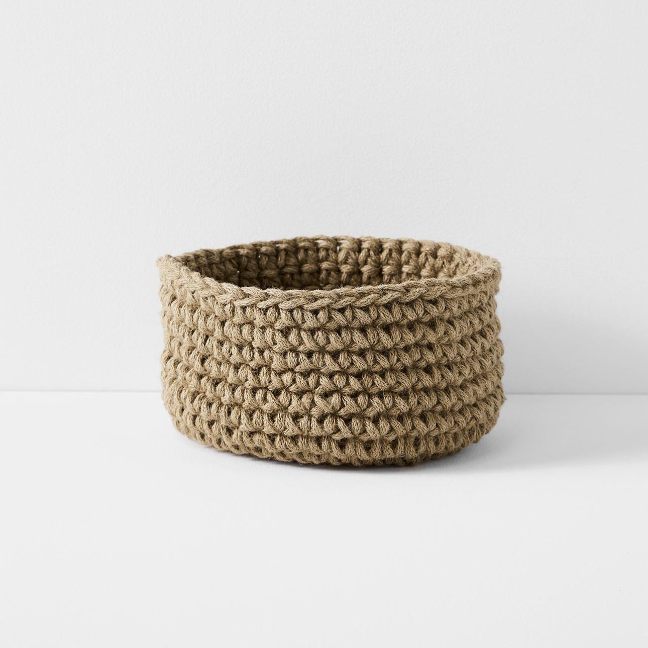 crochet_large_low_basket_jute.jpg