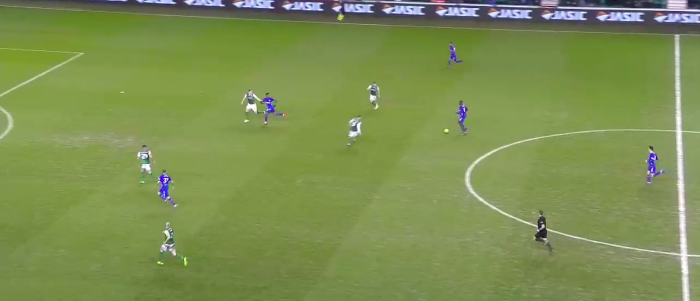 Kamara has carried the ball all the way to the doorstep of the final third & has Candeias open to his right as Hibs defenders have marked the more central options (Morelos & Arfield).