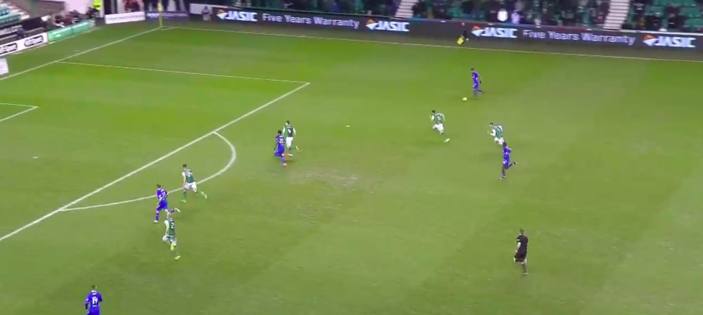 Kamara finally makes the pass after transitioning the ball from box-to-box all on his own. This will lead to Candeias' initial shot & then eventually Rangers only goal.
