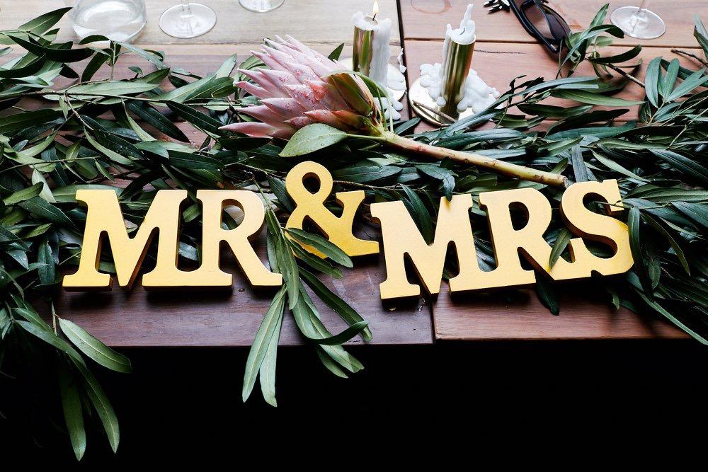 Mr & Mrs (gold) # $10