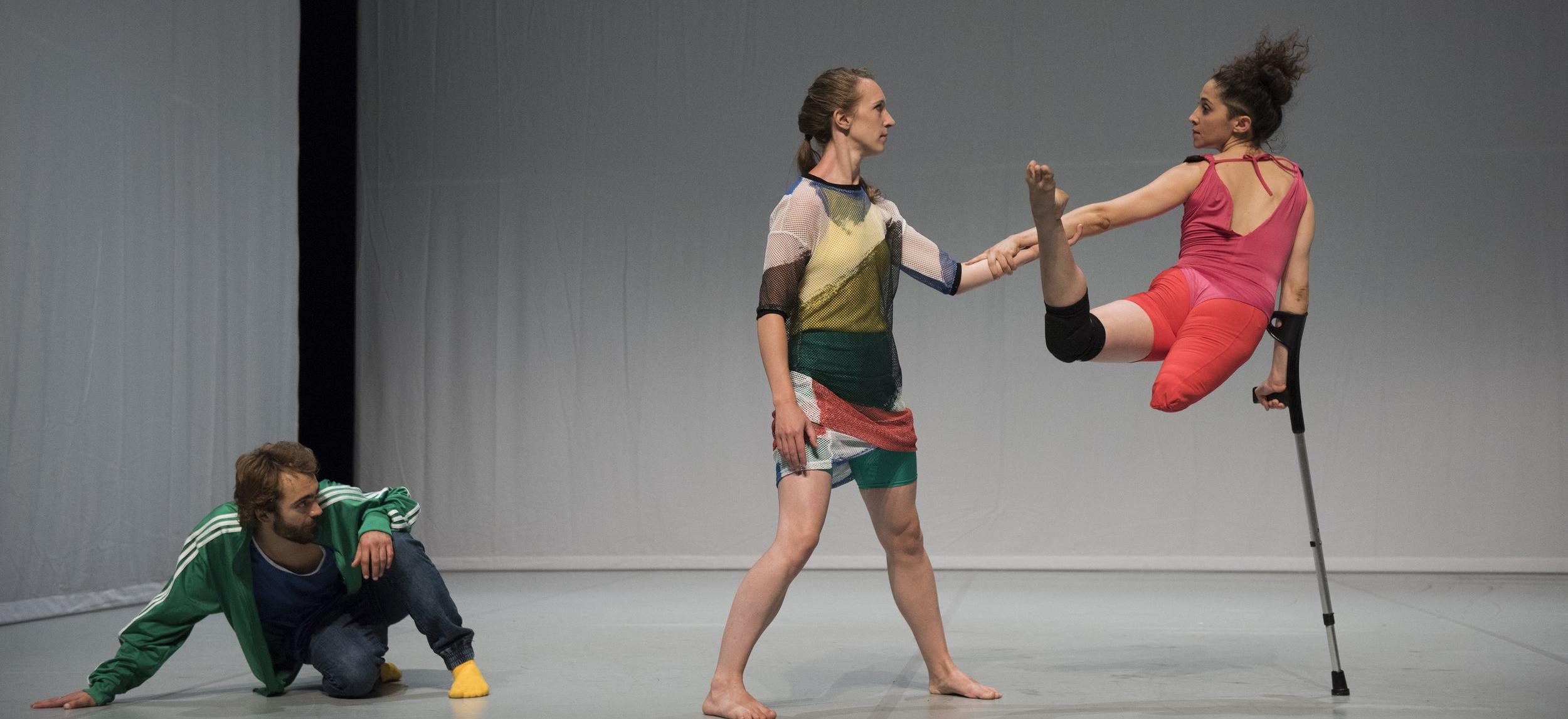 Candoco Dance Company. Face In by Yasmeen Godder. Photography by Hugo Glendinning, 2018.jpg