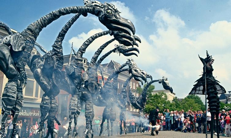 Close Act Theatre - Saurus 5 (Foto Keri Stoelinga).jpg