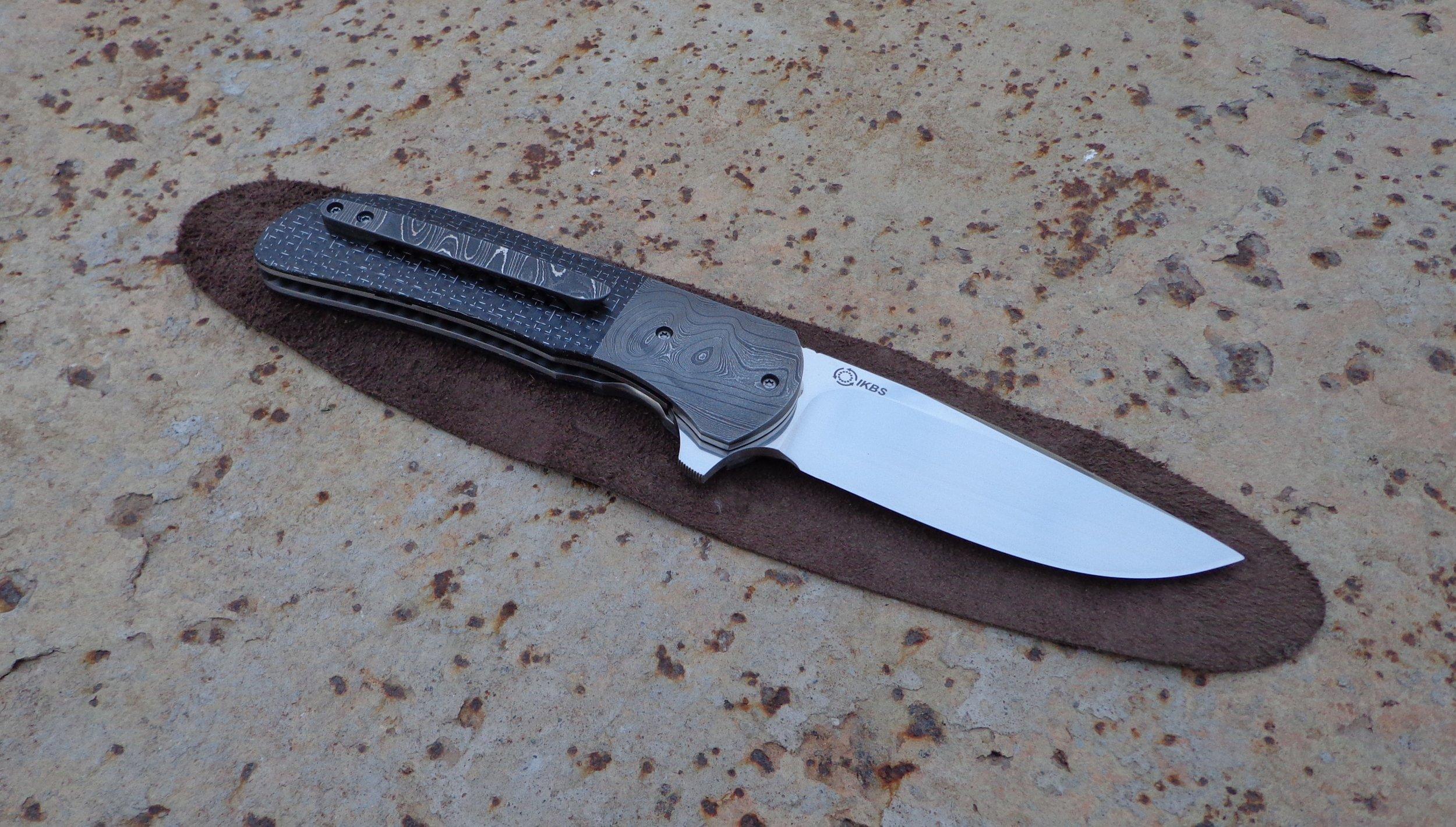 Knife: Piuma Flipper.