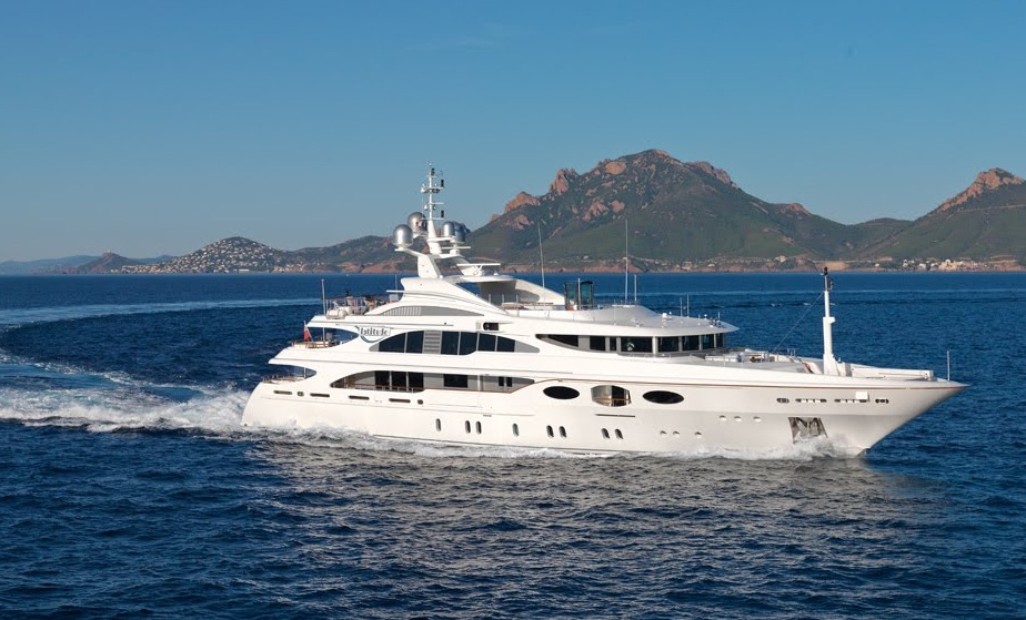 Yacht+Photo.jpg