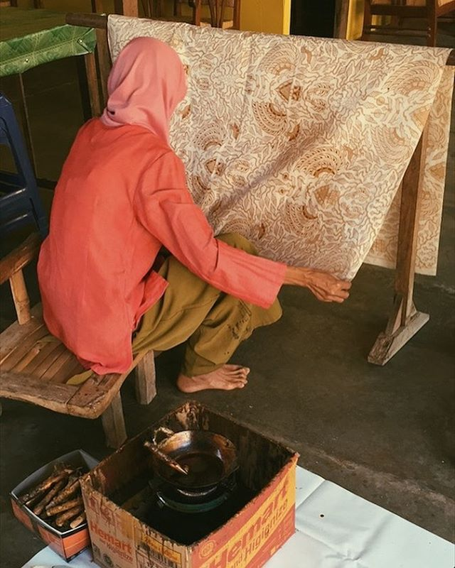 We are an independent fashion label that aims to preserve an aspect of Indonesian cultural heritage, its traditional fabrics. This picture features an artisan living in Giriloyo village who made Batik as their main source of income.