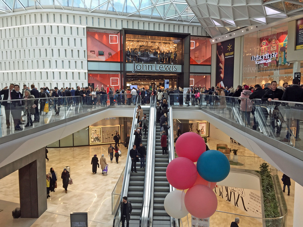 Credit:  Westfield London extension  by  diamond geezer  on  Flickr .