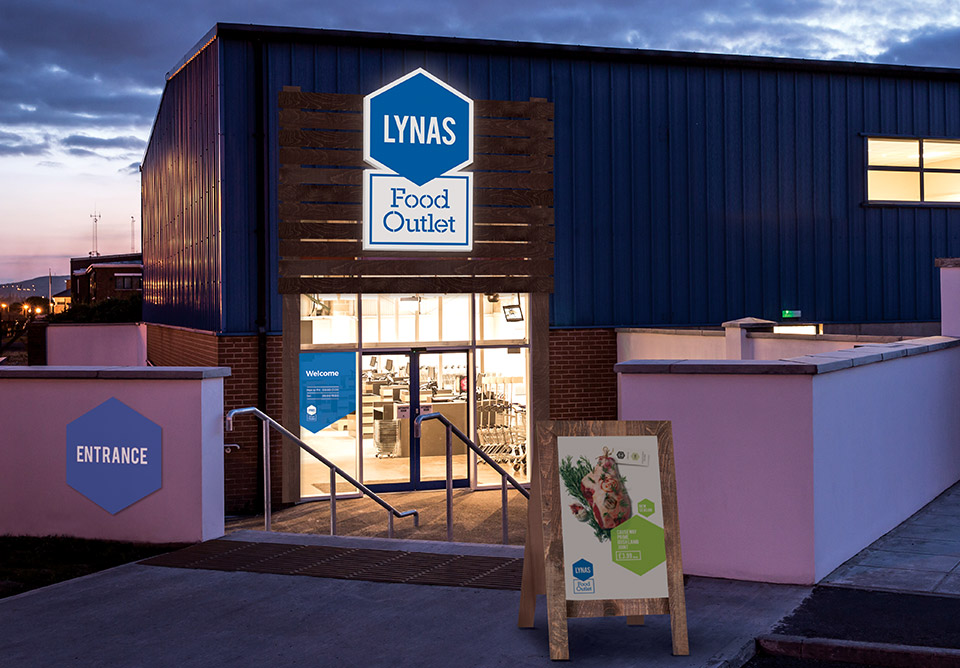 Lynas Food Outlets 02 - Montgomery Irwin Architects.JPG
