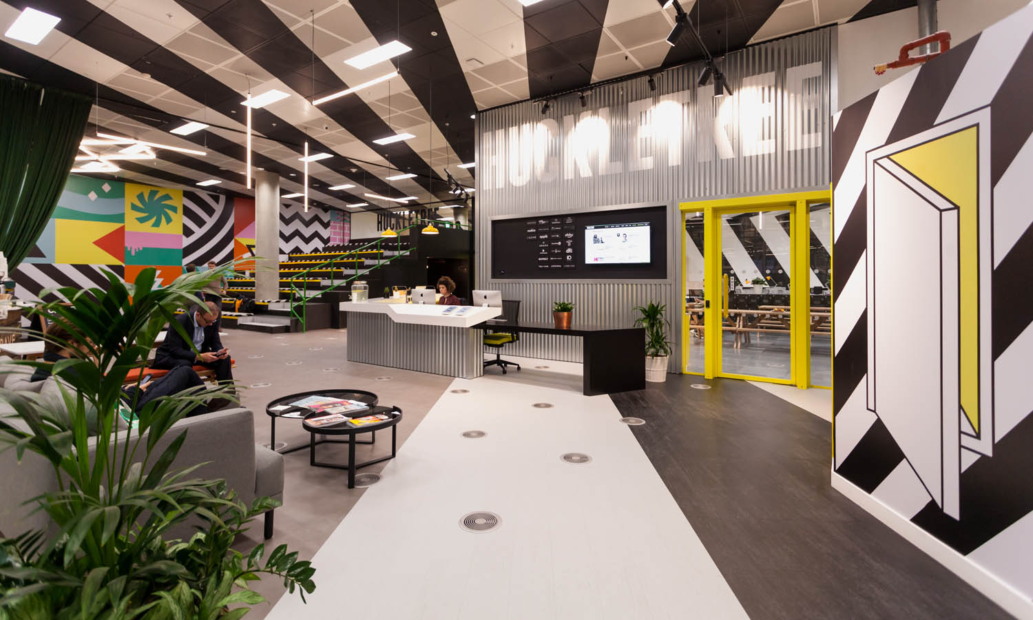 2_Huckletree West_Reception.jpg