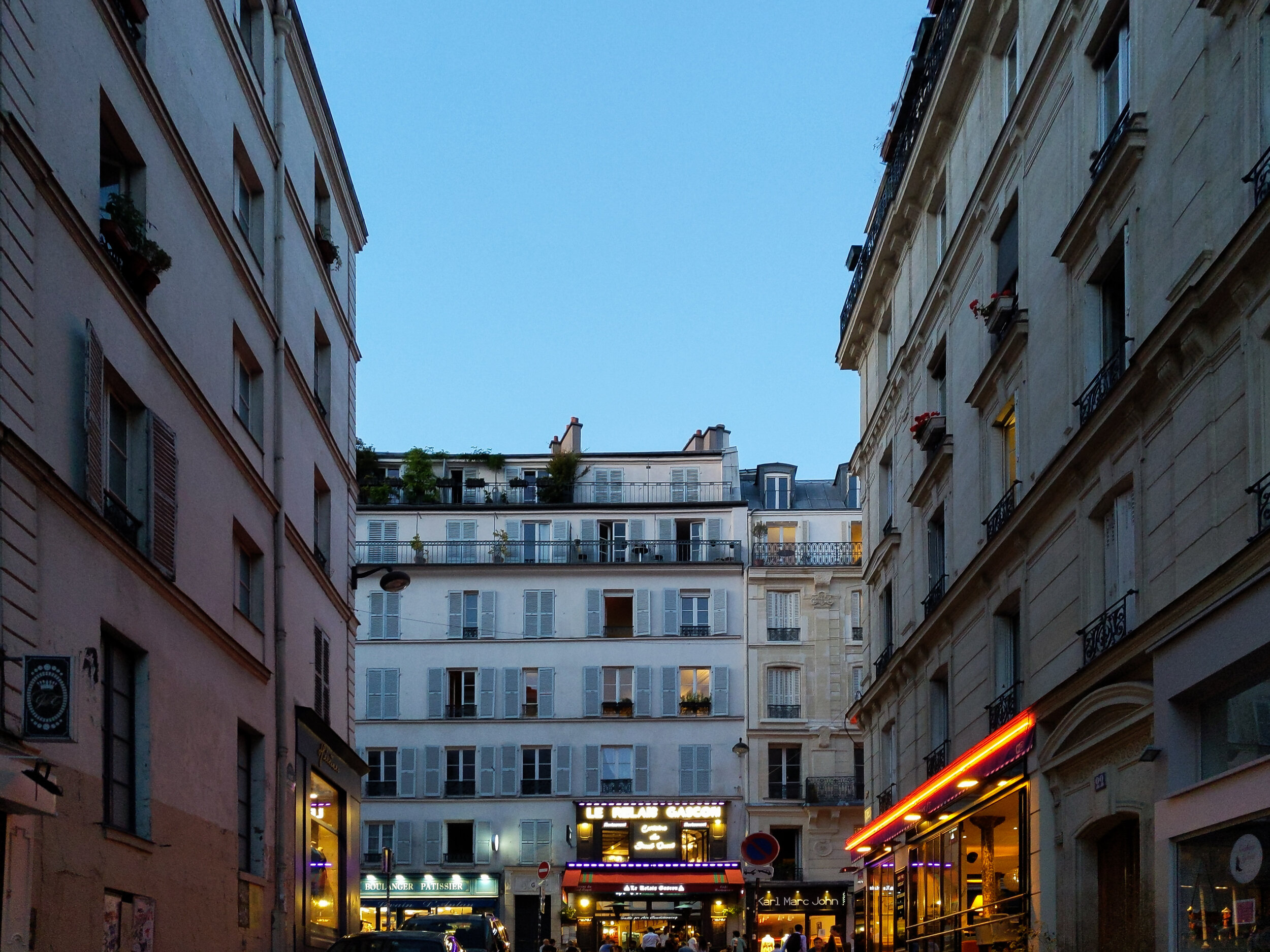 Pigalle, 18th Arr, Paris. Pixel 3, verticals corrected.