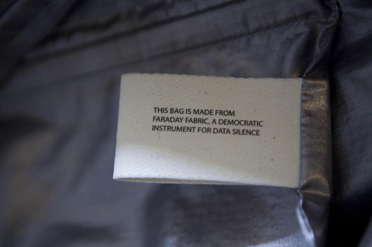 Faraday bag - Sarah van Sonsbeeck
