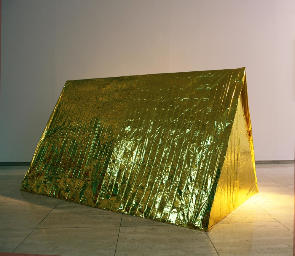 Anti-Drone Tent - Sarah van Sonsbeeck