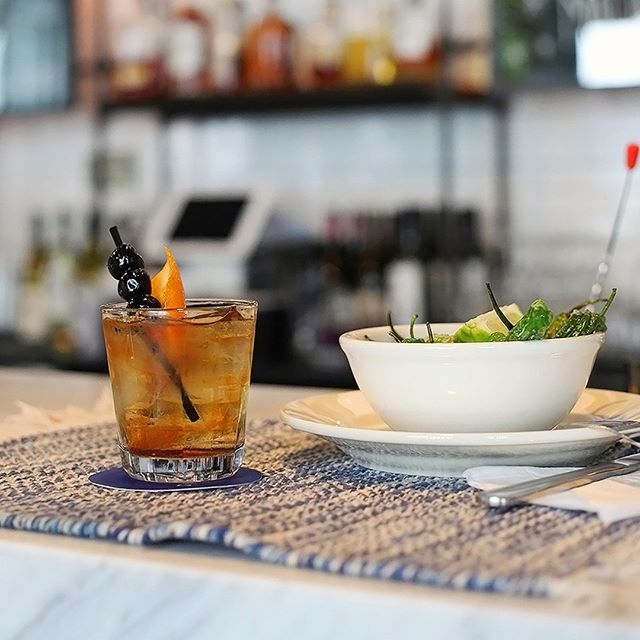 Beat the heat, stay indoors and hydrate! ☀️🥃🍔⠀⠀⠀⠀⠀⠀⠀⠀⠀ .⠀⠀⠀⠀⠀⠀⠀⠀⠀ .⠀⠀⠀⠀⠀⠀⠀⠀⠀ .⠀⠀⠀⠀⠀⠀⠀⠀⠀ .⠀⠀⠀⠀⠀⠀⠀⠀⠀ .⠀⠀⠀⠀⠀⠀⠀⠀⠀ .⠀⠀⠀⠀⠀⠀⠀⠀⠀ .⠀⠀⠀⠀⠀⠀⠀⠀⠀ .⠀⠀⠀⠀⠀⠀⠀⠀⠀ . #nycfood #nyc #nyceats #foodie #nycfoodie #weekend #putbacononeverything #newyork #eeeeeats #eatingnyc #foodphotography #foodstagram #instafood #foodgasm #newyorkcity #foodblogger #manhattan #eatingnewyork #newyorkfood #healthyfood #newforkcity #foodpics #buzzfeedfood #delicious #nycrestaurants #feedfeed #yummy #catering #drinks