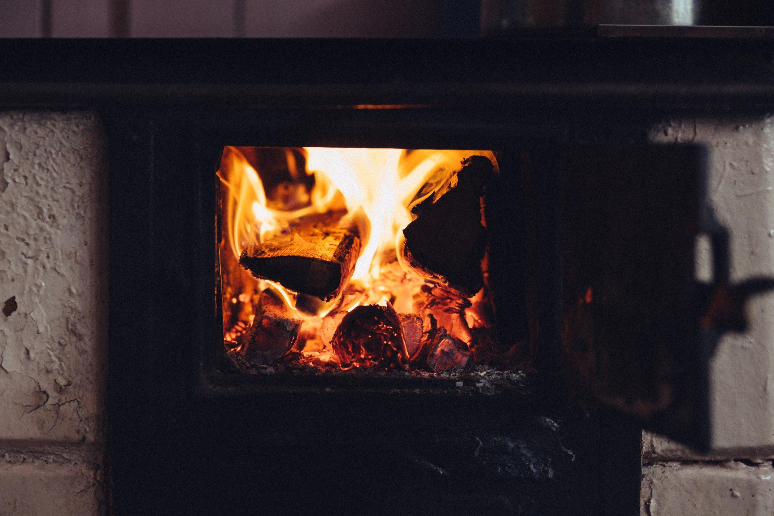 ash-blaze-bonfire-391995.jpg