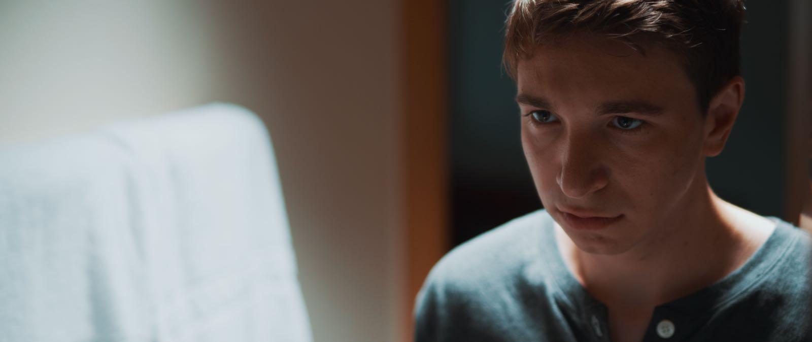 Anomalie   Series   Director: Christian Stadach     DOP: Marco Eisenbarth     Gaffer: Julian Zalac
