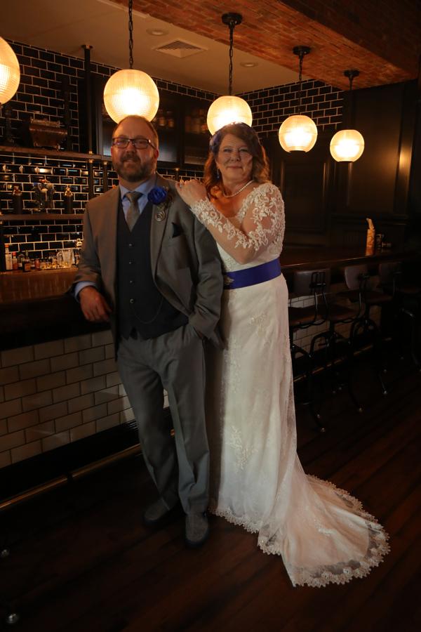 hol_2018-3532 matt and Shelley at Bar standing.jpg