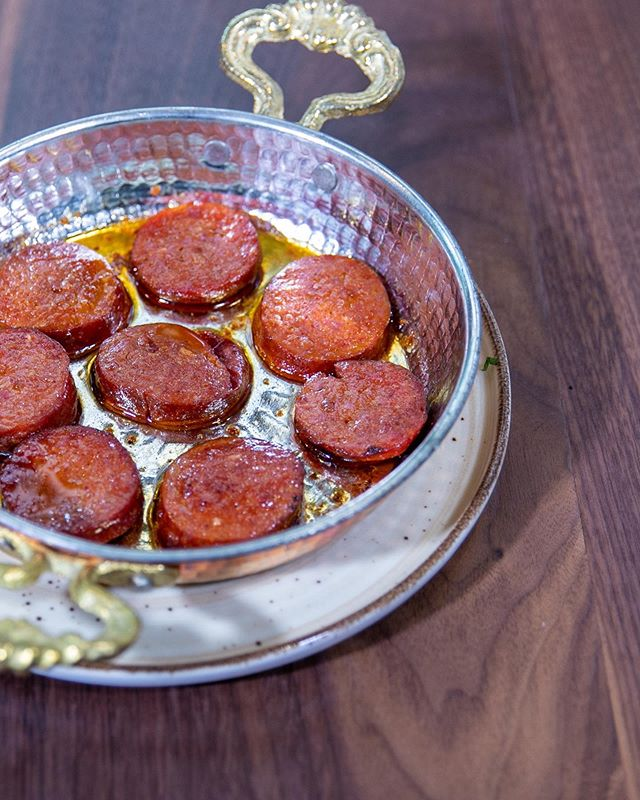 Leyla's spicy Sujuk is the perfect addition to any breakfast. This versatile meat pairs well with eggs, fresh bread, olives, the possibilities are endless. After a bite of this Turkish delicacy, Sujuk will be your new favorite breakfast sausage! . . . #leyla74 #turkishcuisine #turkishfood #uws #upperwestsidenyc #nycrestaurants #restaurantsofnyc #nyceats #foodienyc #eatingnyc #diningnyc #brasserieny #turkishfood  #lincolncenter #centralpark