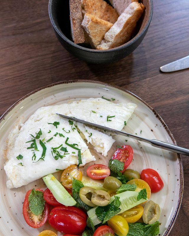 Dig in to Leyla's Egg White Omelet, filled with velvety Mozzarella, savory Halloumi, and smooth Kaşar cheese. Cleanse your palate with an Herbed Cherry Tomato Salad, bursting with color and flavor from the sprinkled fresh mint. . . . #leyla74 #turkishcuisine #turkishfood #uws #upperwestsidenyc #nycrestaurants #restaurantsofnyc #nyceats #foodienyc #eatingnyc #diningnyc #brasserieny #turkishfood  #lincolncenter #centralpark