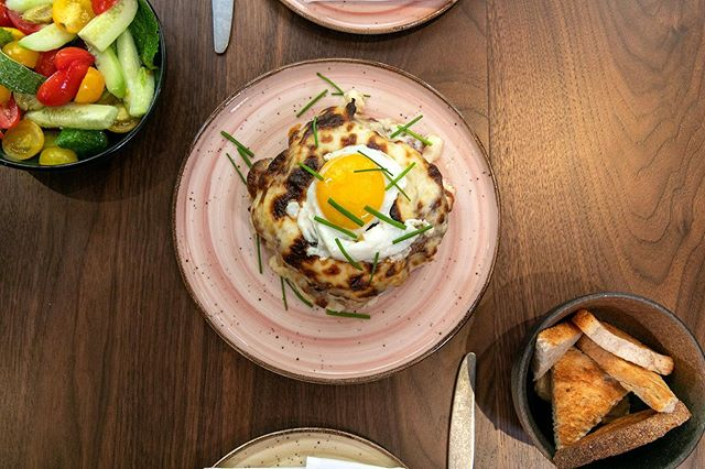 #NYCBrunch has never looked so good. 🥞 Indulge in Leyla's famous Croque Hanim, filled with layers of rich, sweet, and savory delight. Our waffled croque is stacked with fluffy waffles, followed by smoked turkey, beef bacon, creamy kaşar cheese, smooth bechamel sauce, and finally, topped with a glistening sunny side up egg. . . . #leyla74 #turkishcuisine #turkishfood #uws #upperwestsidenyc #nycrestaurants #restaurantsofnyc #nyceats #foodienyc #eatingnyc #diningnyc #brasserieny #turkishfood  #lincolncenter #centralpark
