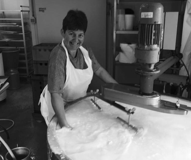 Marie-Cécile Crevits - Fromagère à Boninne   Elle produit les fromages de nos burgers. Fondants et gourmands.