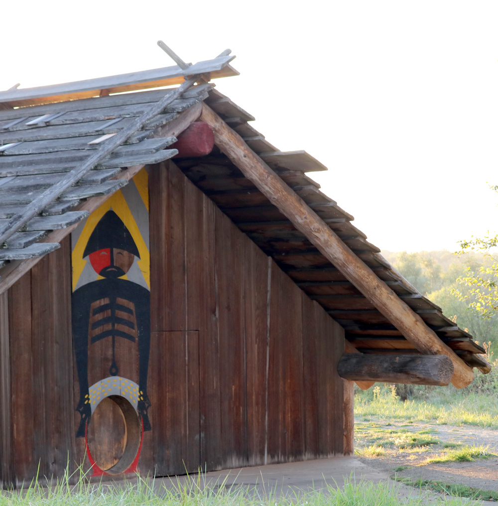 Cathlapotle Plankhouse - Saturdays and Sundays, 12pm-4pm, May 4th through October 13th, 2019Bring the whole family to this unique site for interpretation of our region's natural and cultural heritage. The Plankhouse is based on the Chinookan village of Cathlapotle and offers a tangible link to these original stewards. Volunteer docents are present for tours and questions.Click here for full details.