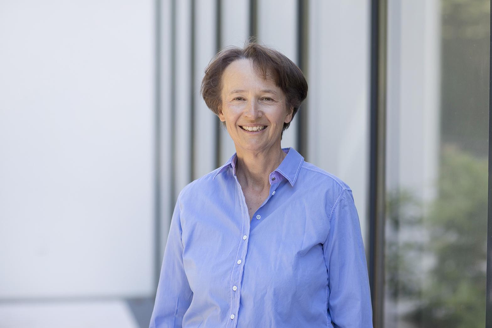 Dr. Eva Donner