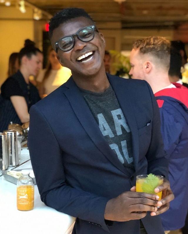 @i.am.mason_richards enjoying our Shiso Kitsune cocktail specially made for @Neuehouse's happy hour. Sake + Carrot Ginger Turmeric + Shiso 🥕✨🍃🙌⠀⠀⠀⠀⠀⠀⠀⠀⠀ .⠀⠀⠀⠀⠀⠀⠀⠀⠀ .⠀⠀⠀⠀⠀⠀⠀⠀⠀ .⠀⠀⠀⠀⠀⠀⠀⠀⠀ #fizzyfox #fizzyfoxshrub #sakecocktail #neuehouse #shiso #gingerturmeric