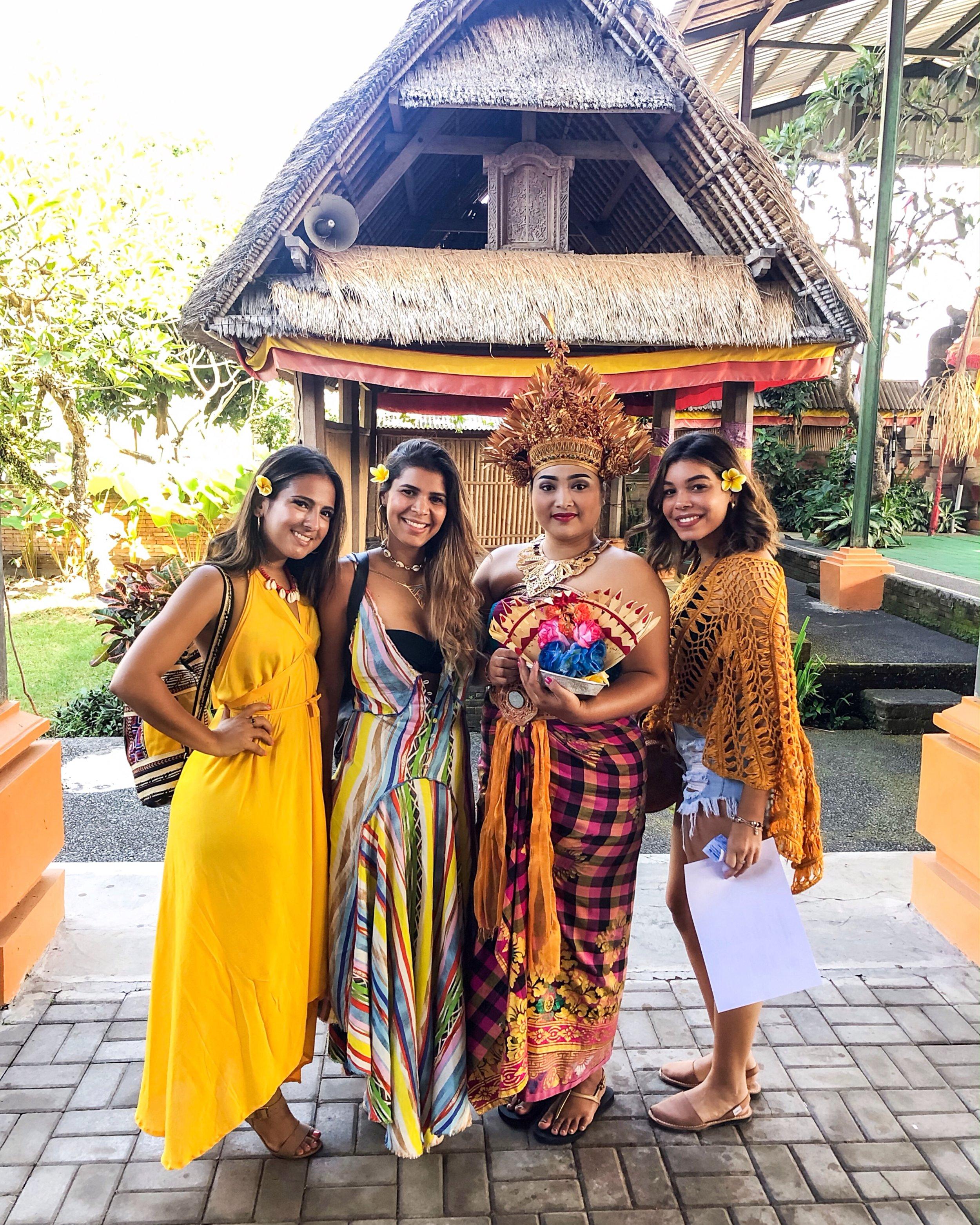 bali indonesia paloma de la cruz palomatravels coolness fashion travel blogger world