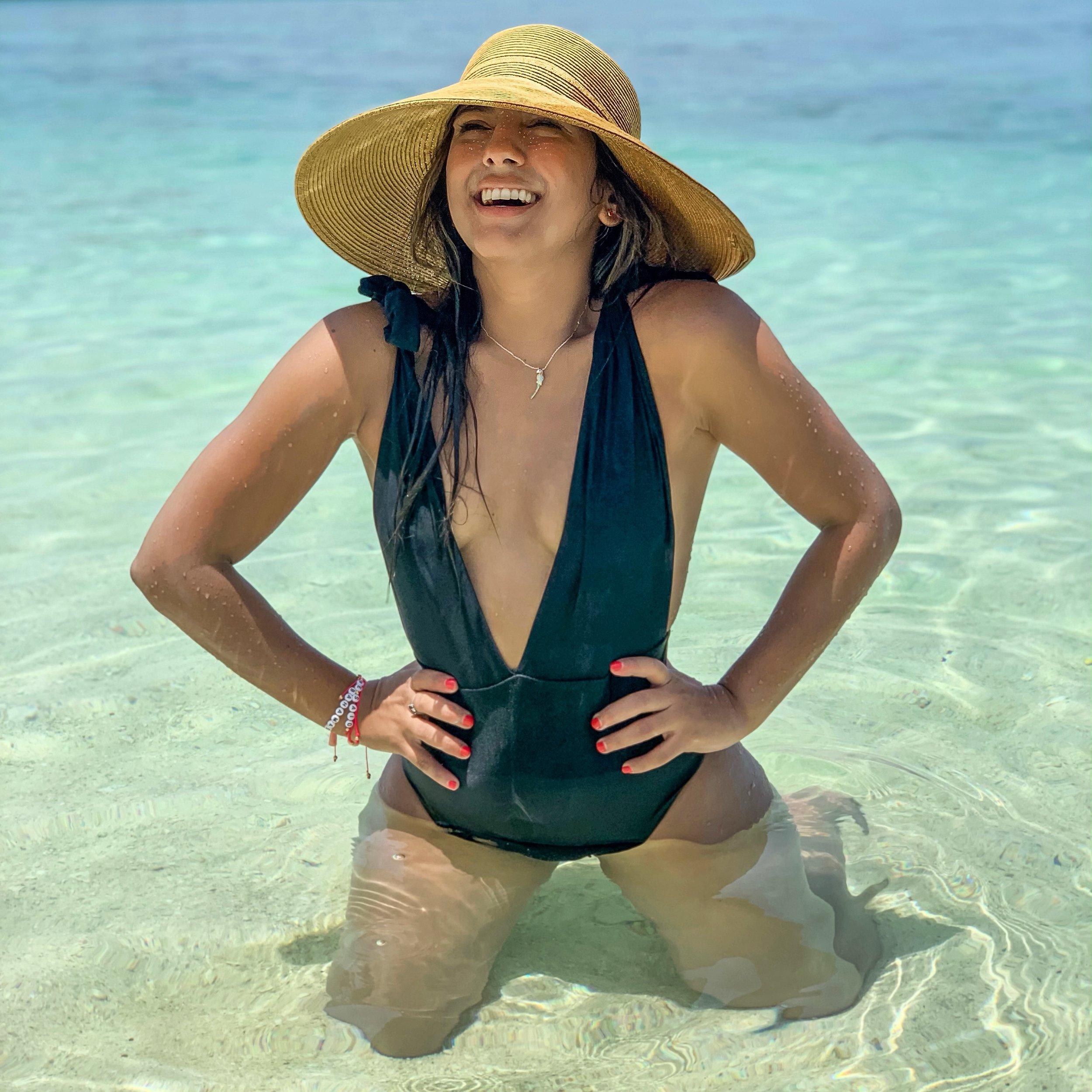 paloma de la cruz fashion travel blogger palomatravels ideals bahamas cruise