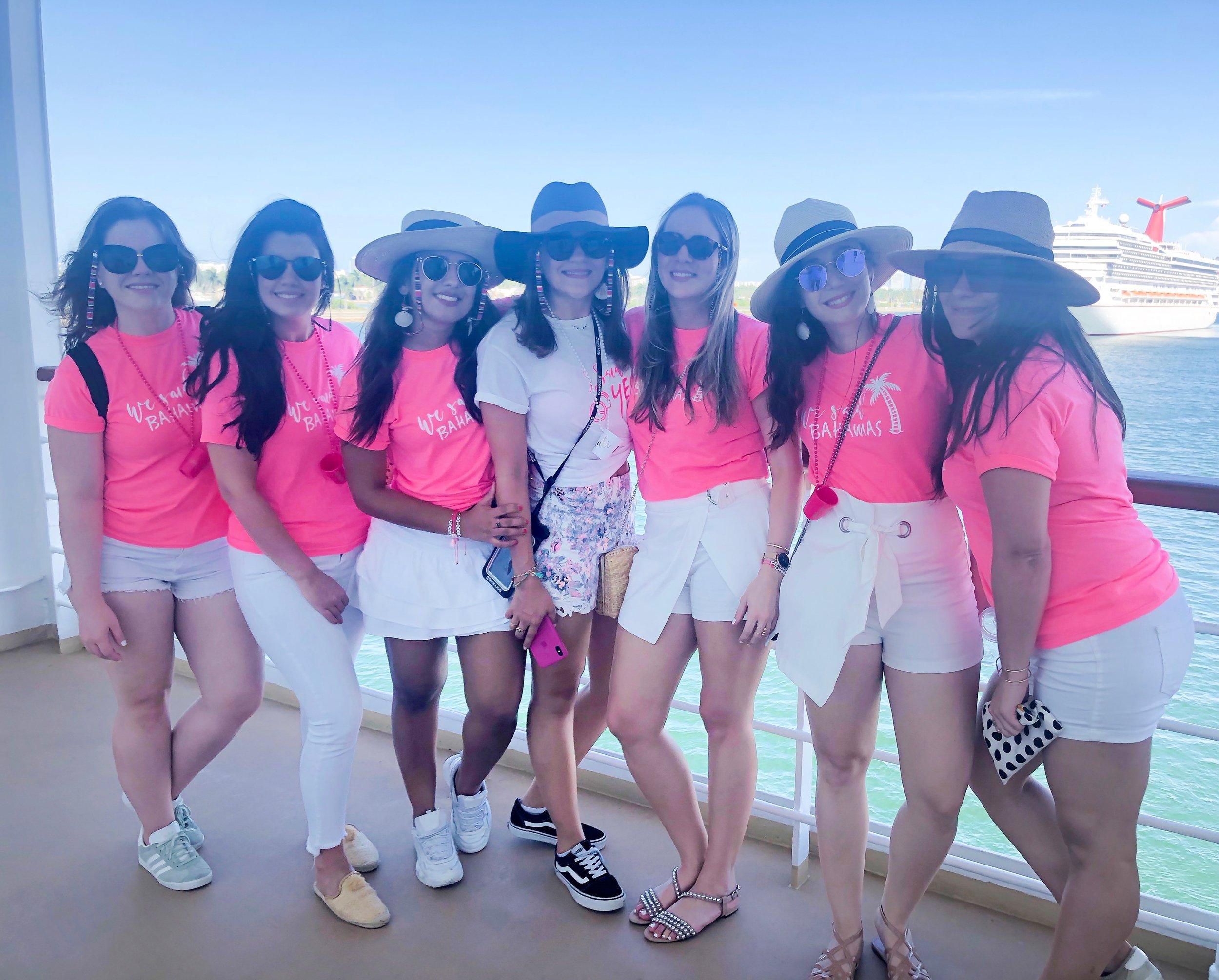 paloma de la cruz fashion travel blogger ideas paradise bahamas island caribbean vacation
