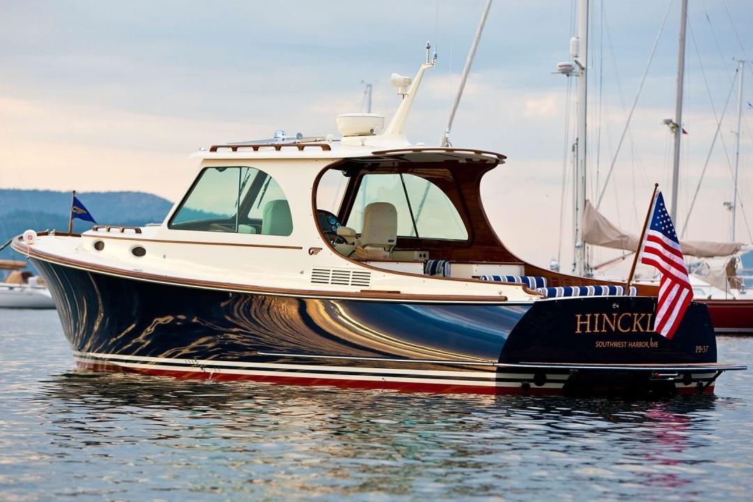 Hinckley-Yachts-Picnic-Boat-MKIII-06-1280x720-1.jpg
