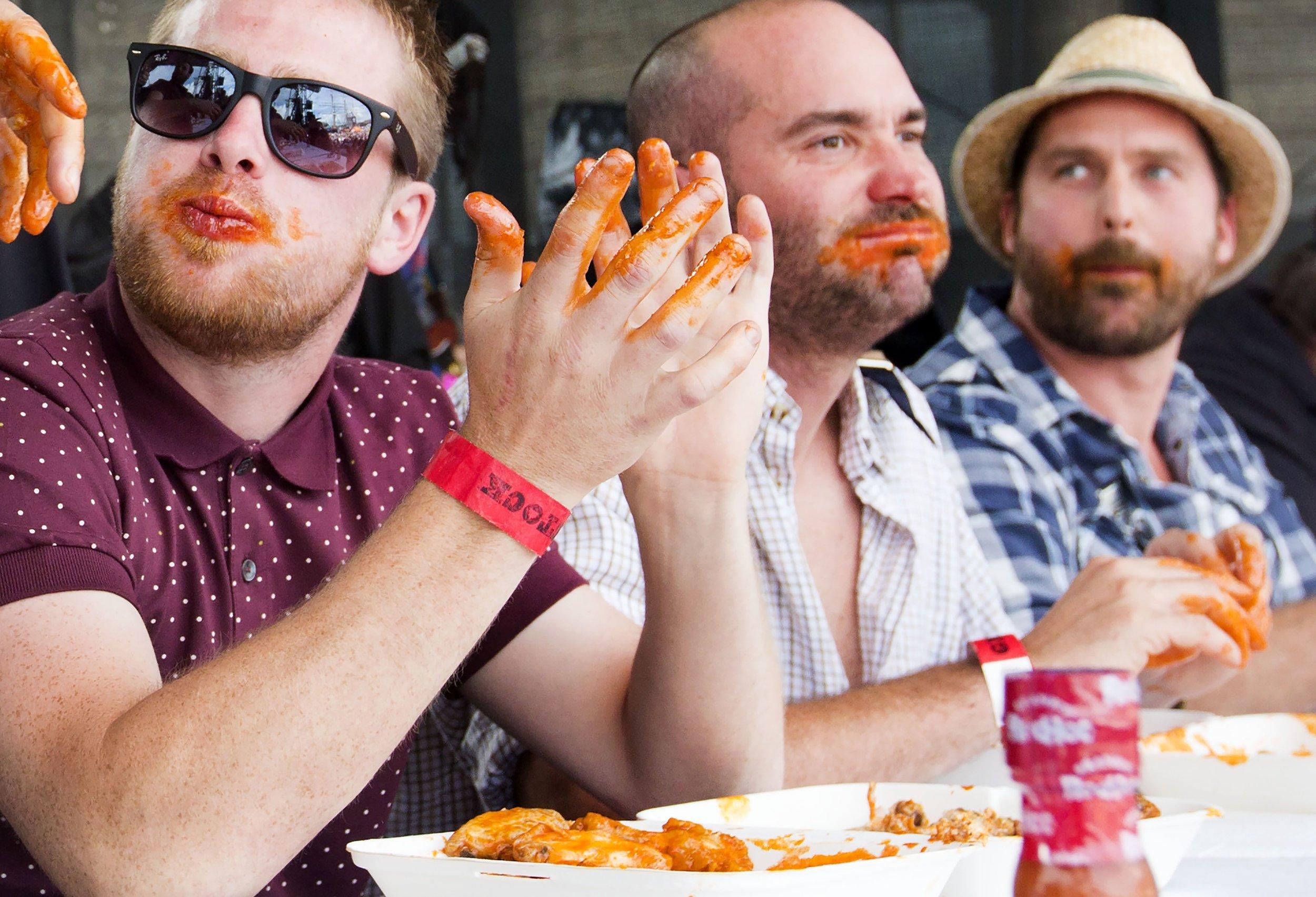eatinghotwings.jpg