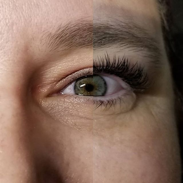 Before and after😍 bottom lashes appear to be different as a result from isolating the bottom from the top. What a difference !!!