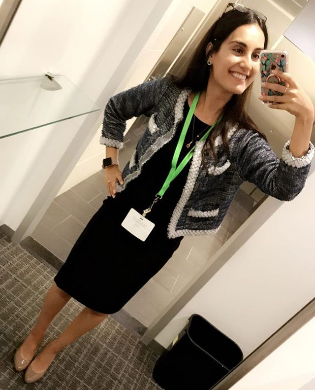 What's better than a new blazer? A USED one. ••• This #beauty cost me under 10 bucks and looks like it could be worth 10 times that price 🤩 ••• Every item of clothing that you wear takes energy and resources to make - a pair of jeans👖 takes 1800 GALLONS OF #WATER! 💦 Eventually, disposing of clothing consumes #energy resources and land as well. ••• The clothing industry is one that has yet to close the gap in their manufacturing process. Some retailers doooo have programs to donate their clothes back to them (@hm), but our system needs a massive shift to make the system more #sustainable and efficient! 🌎••• TLDR; shopping #secondhand saves consumers money💰 and prevents the wasted energy and resource consumption of manufacturing and disposing of new clothing👚. Look anywhere from Goodwill to your nearest thrift/#consignment store to get started! ••• FUN FACT: I got my high school prom dress second hand for $17. Then I gave it to a friend who wore it to her sisters quinceñera.💃🏻 ••• #green #minimal #minimalism #minimalist #thrift #used #closethegap #environment #environmental #environmentalist #earth #planet #zerowaste #wastefree #fashion #style