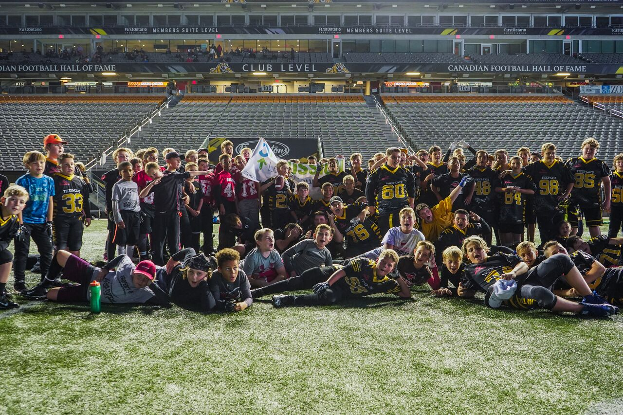 Our MacMaster Chapter delivered a Team Up presentation to parents and children of the Hamilton TigerCats Peewee Football Clinic