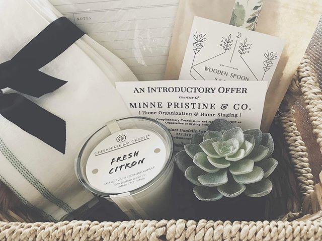 Moving into a new home can be a major milestone. Make your clients feel welcome and comfortable right away with a thoughtful gift. 🌿 * Tap the #linkinbio to learn how I can help with custom #realtor baskets.