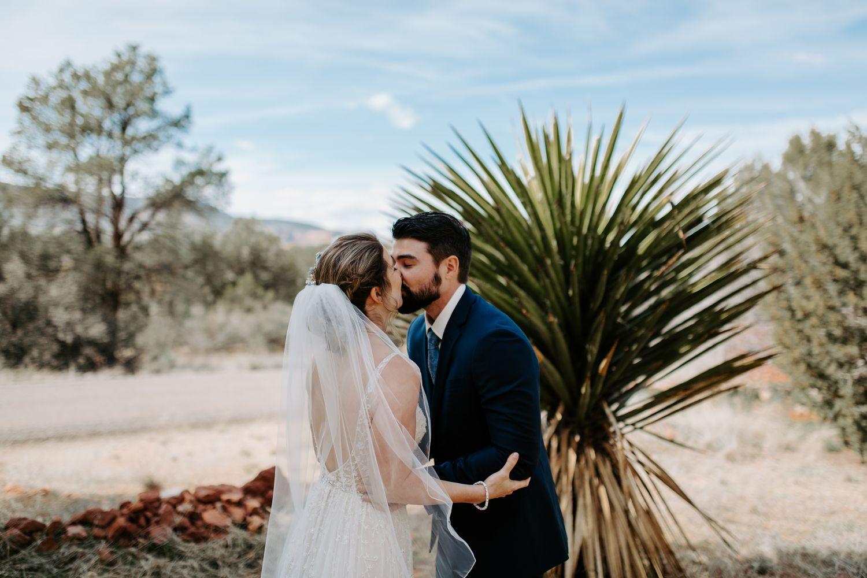Sedona-Arizona-Intimate-Wedding_0010.jpg
