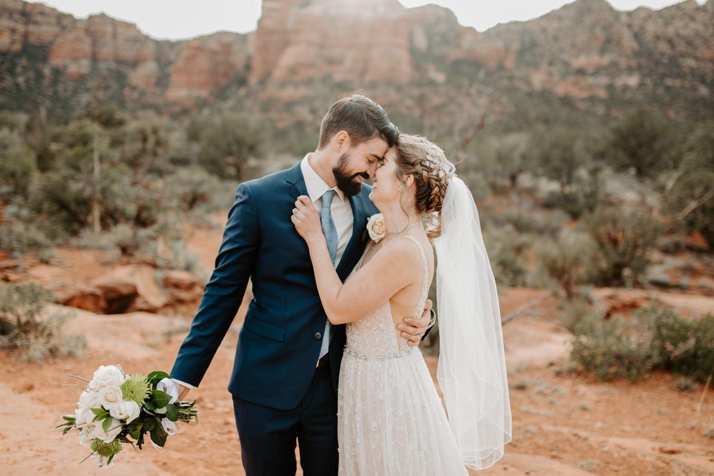 Sedona-Arizona-Intimate-Wedding_0019.jpg