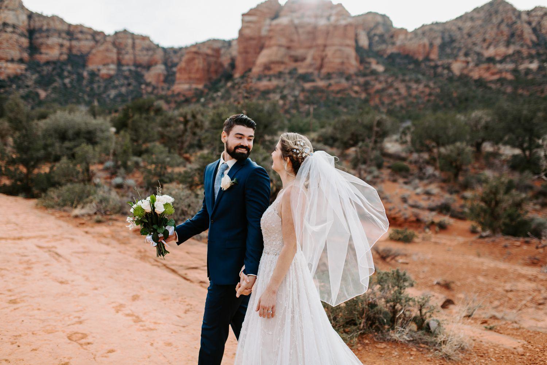 Sedona-Arizona-Intimate-Wedding_0022.jpg