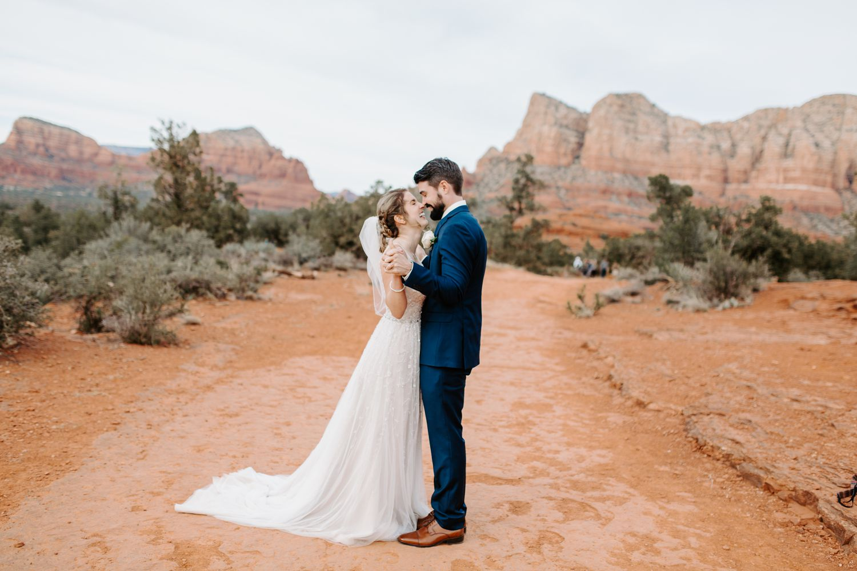 Sedona-Arizona-Intimate-Wedding_0025.jpg