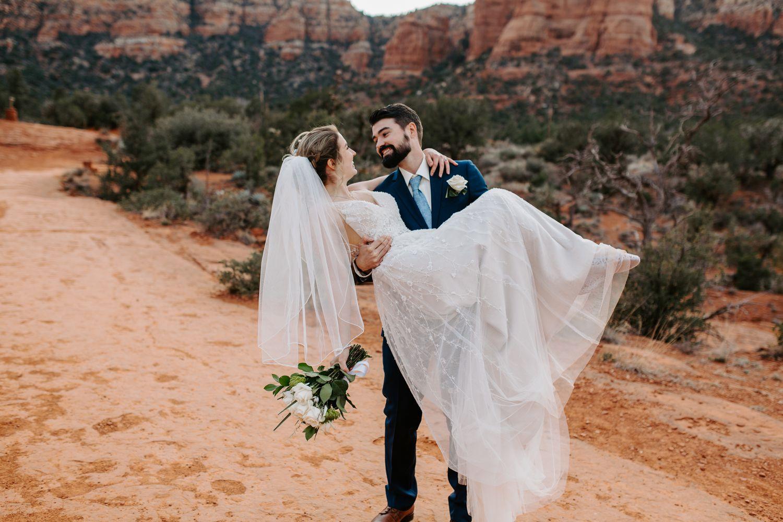 Sedona-Arizona-Intimate-Wedding_0032.jpg