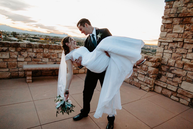 Tucson-Arizona-Backyard-Wedding_0050.jpg
