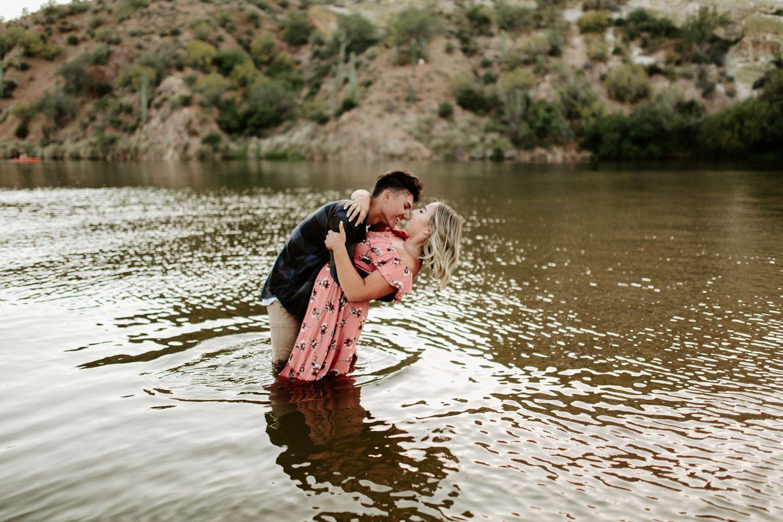 arizona-summer-couples-session_0016.jpg