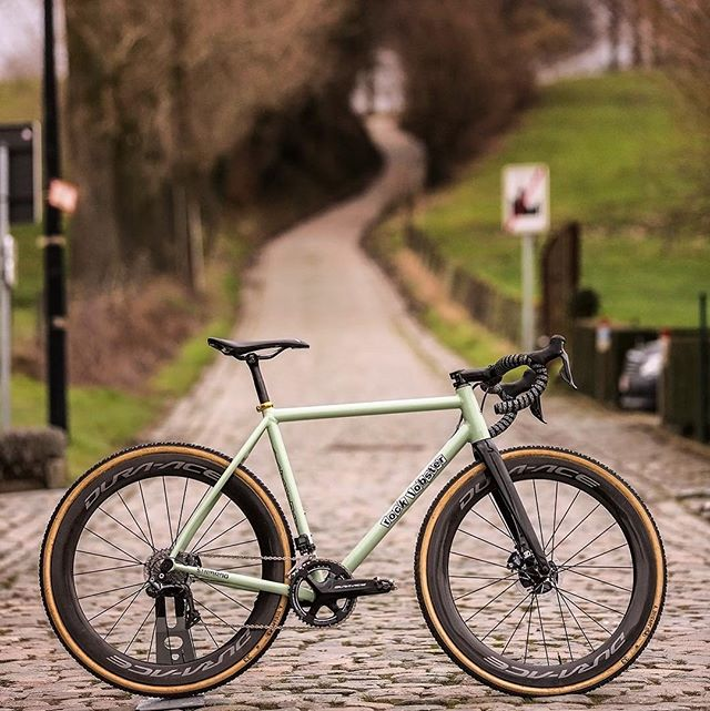 Handmade on som Hand Laid  Last Day of the #aprilcxchallenge... My favorite bike of all time, the @teamrocklobstercx Peckerwood Special, on my favorite 'cross course of all time at @dekoppenberg  Hoping for one more go at it Nov 1... 📷 @arrieredupeloton / #veldrijdeordie