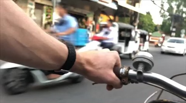 Here's a few time lapse tasters of what it like to cycle in phnom penh; great fun but you have to have your wits about you and no dilly-dalling is allowed! Camera was taped to my body and hidden in my shirt pocket. Swipe for a few more; Sound up!